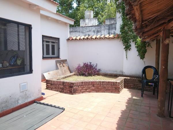 A mts Sanatorio Allende- Alquilo Casa Con Fines Comerciales-