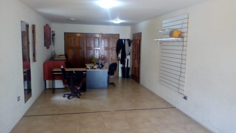 HERMOSA CASA A MTS DE DUARTE QUIROS- TEODORO FELLS