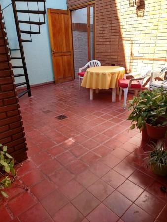 VENDO CASA BARRIO PROVIDENCIA- MAS DEPTO. 4 Dorm mas 2 Baños