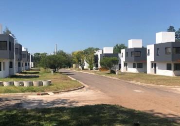 """OPORTUNIDAD!!!!!!!!!!VILLA WARCALDE- HOUSING """" La Reserva""""  3 Dorm- 3 baños EN VENTA"""