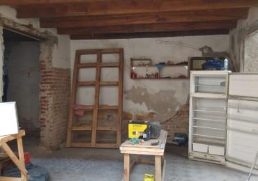 GALPON Y OFICINAS BARRIO SAN VICENTE ( venta o alquiler)